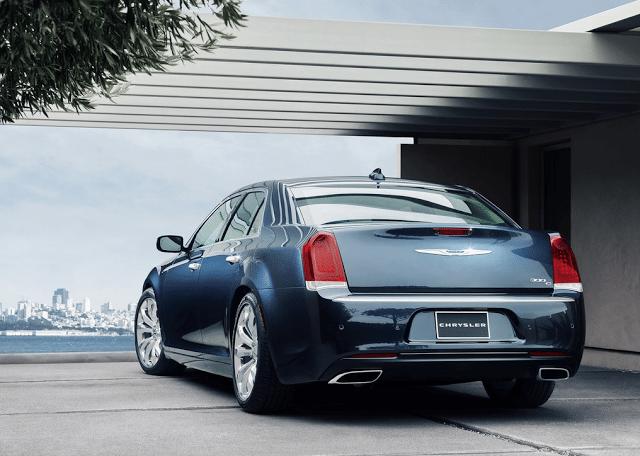 2015 Chrysler 300C rear