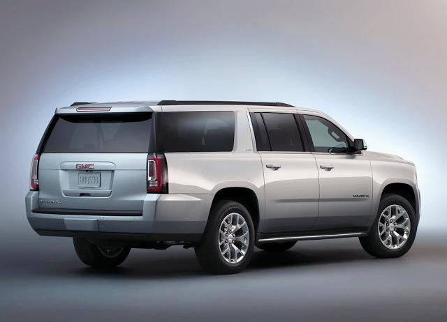 2015 GMC Yukon XL silver