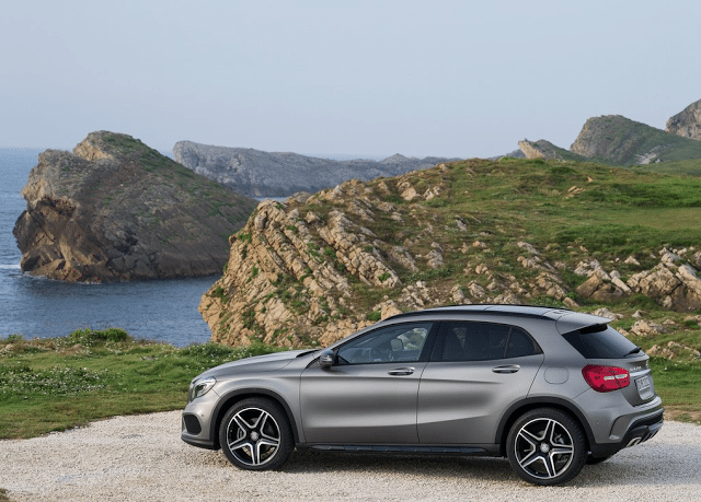 2015 Mercedes-Benz GLA-Class mountains