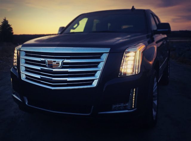 2016 Cadillac Escalade grille headlights
