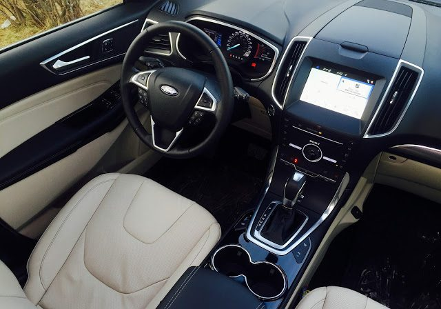 2016 Ford Edge Titanium interior