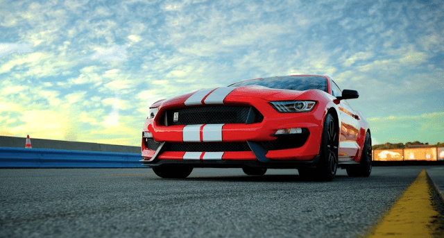 2016 Ford Mustang GT350 red white stripes
