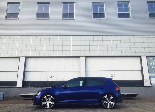 Mk7 2016 Volkswagen Golf R side view