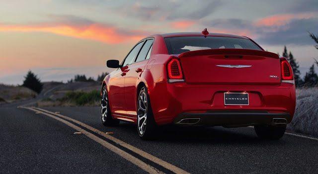 2015 Chrysler 300 red