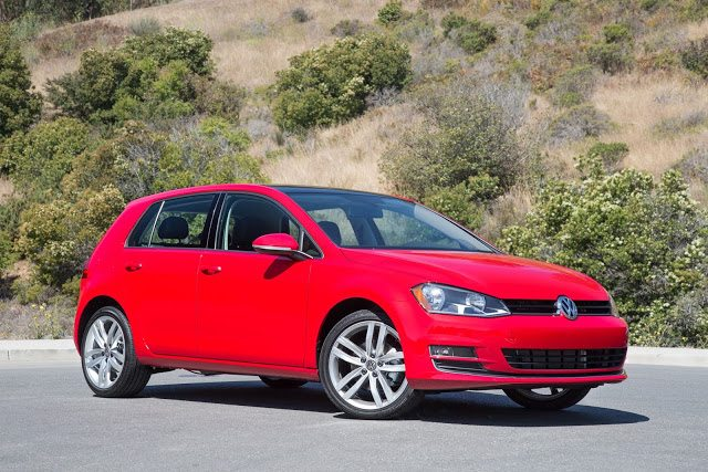 2016 Volkswagen Golf red