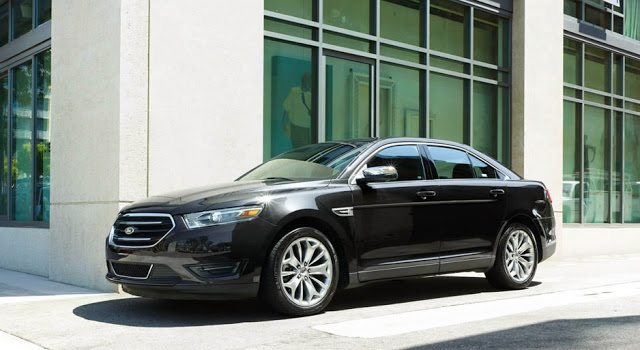2016 Ford Taurus black