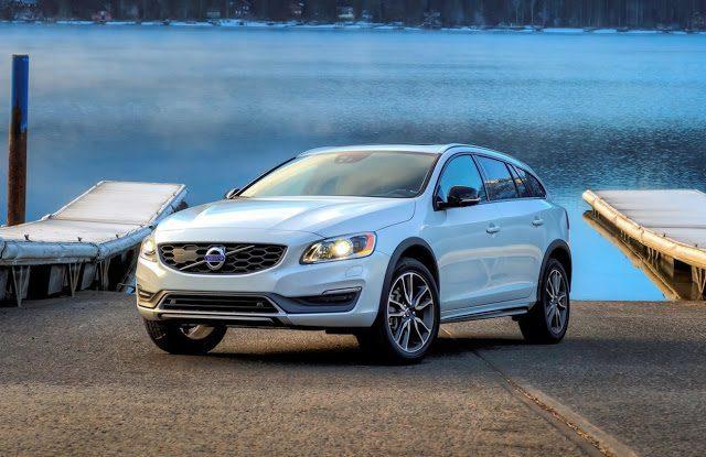 2016 Volvo V60 Cross Country white