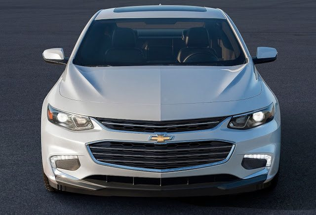 2016 Chevrolet Malibu white front end