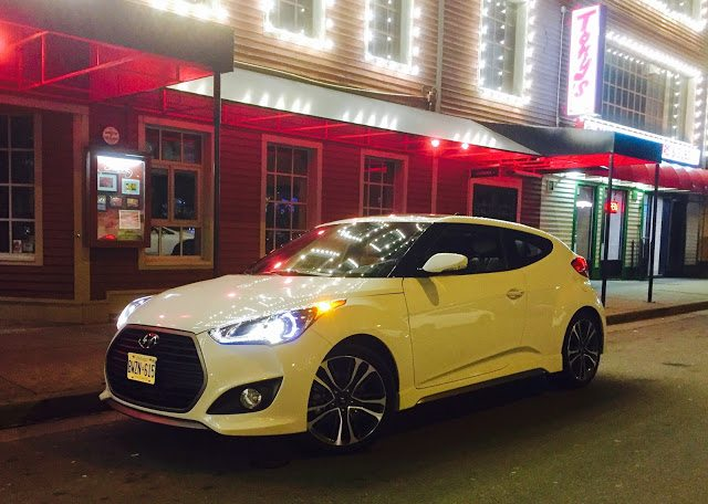 2016 Hyundai Veloster white turbo