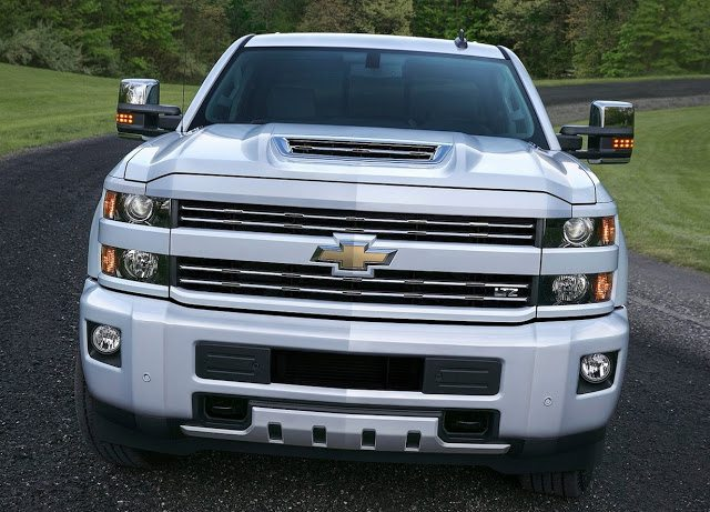 2017 Chevrolet Silverado HD white