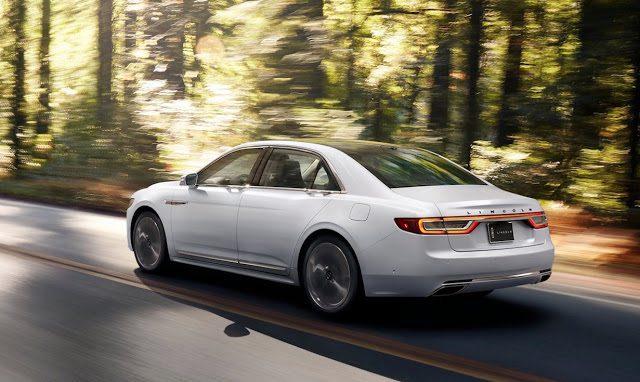 2017 Lincoln Continental white