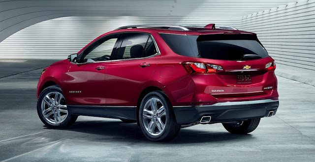 2018 Chevolet Equinox red rear