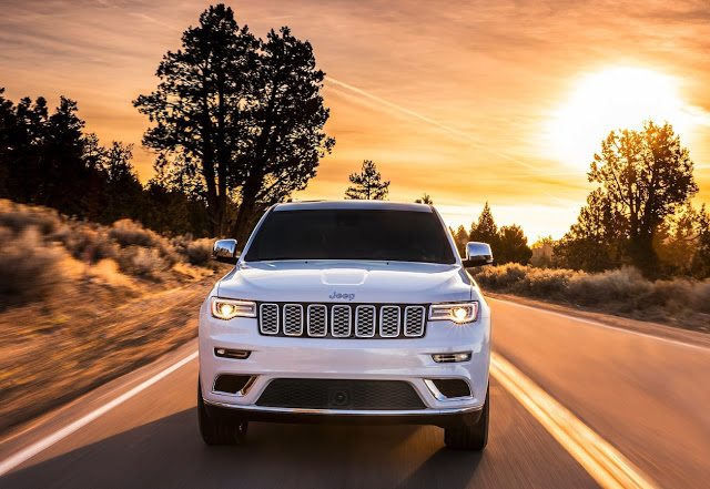 2017 Jeep Grand Cherokee white