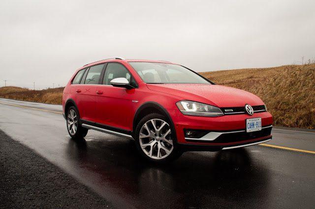 2017 Volkswagen Golf Alltrack red