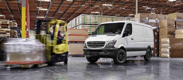 2017 Mercedes-Benz Sprinter worker van white