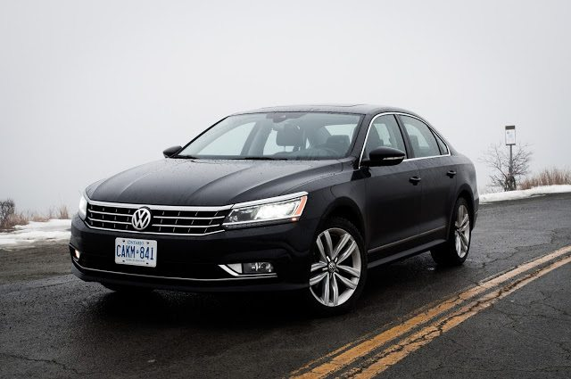 2017 Volkswagen Passat Highline V6 Urano Grey