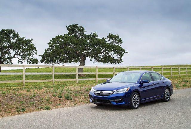 2017 Honda Accord Hybrid blue