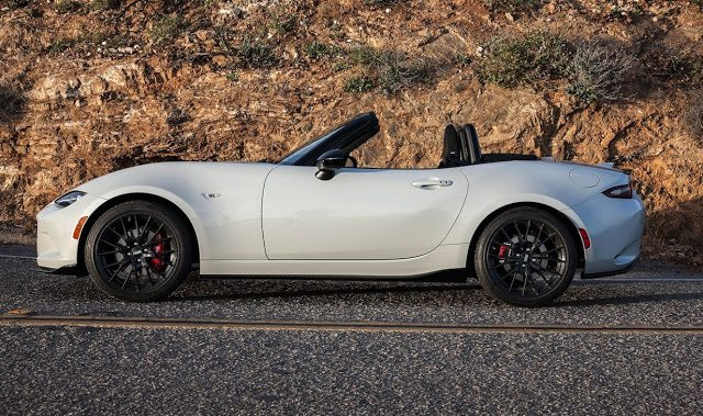 2017 Mazda MX-5 Miata Club white