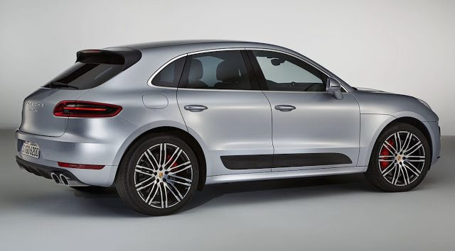 2017 Porsche Macan Turbo Performance Package
