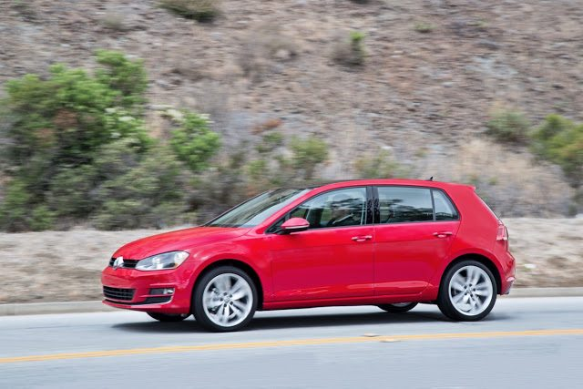 2017 Volkswagen Golf 5-Door red