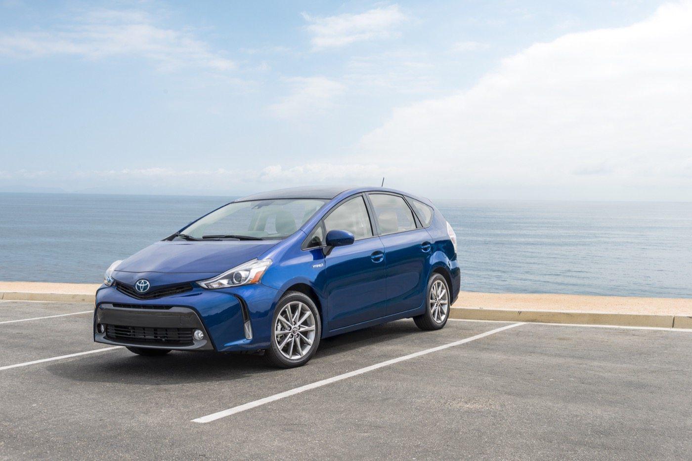 2016 Toyota Prius V - Image: Toyota