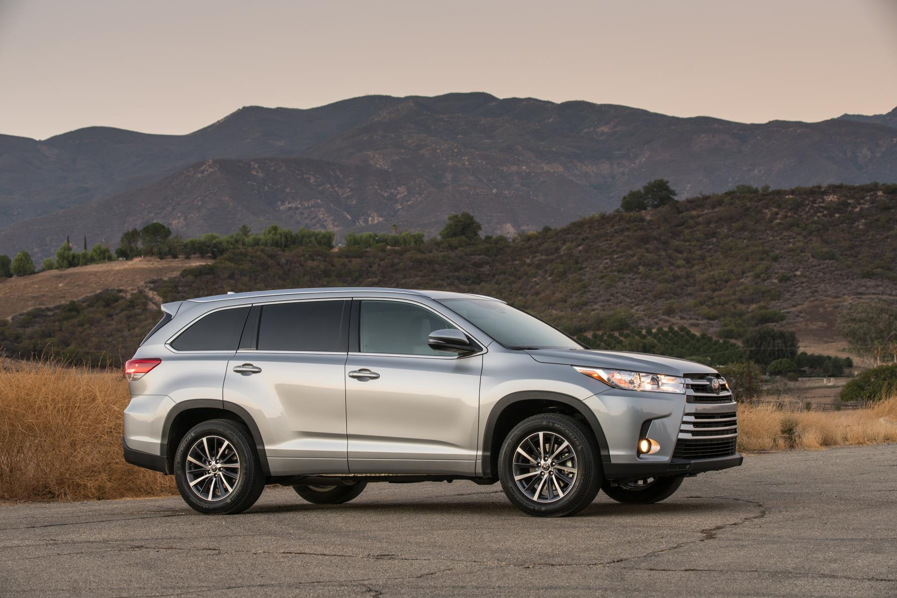 Toyota Highlander, one of Toyota's's top selling vehicles in the USA in 2017