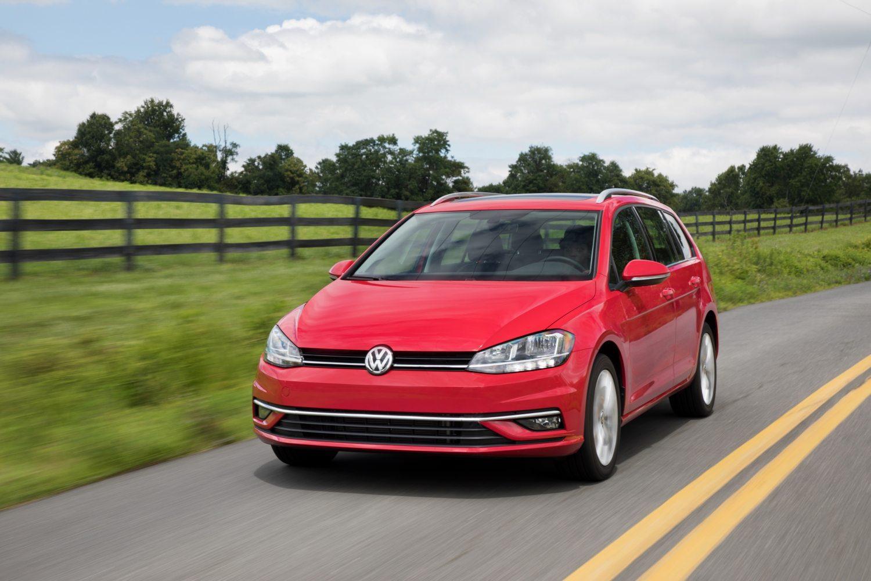 2018 Volkswagen Golf SportWagen - Image: VW