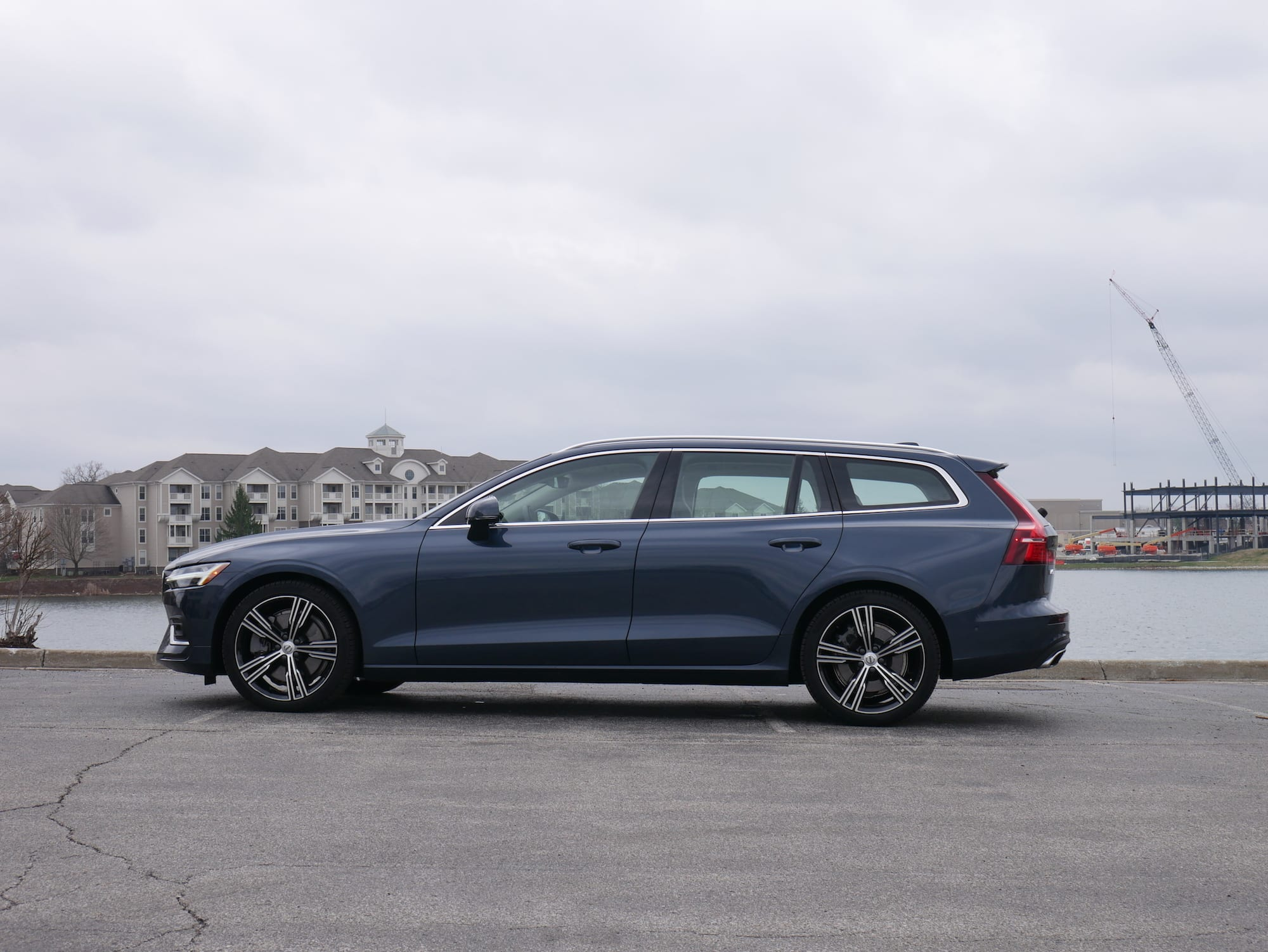 2019 Volvo V60 T6 inscription profile