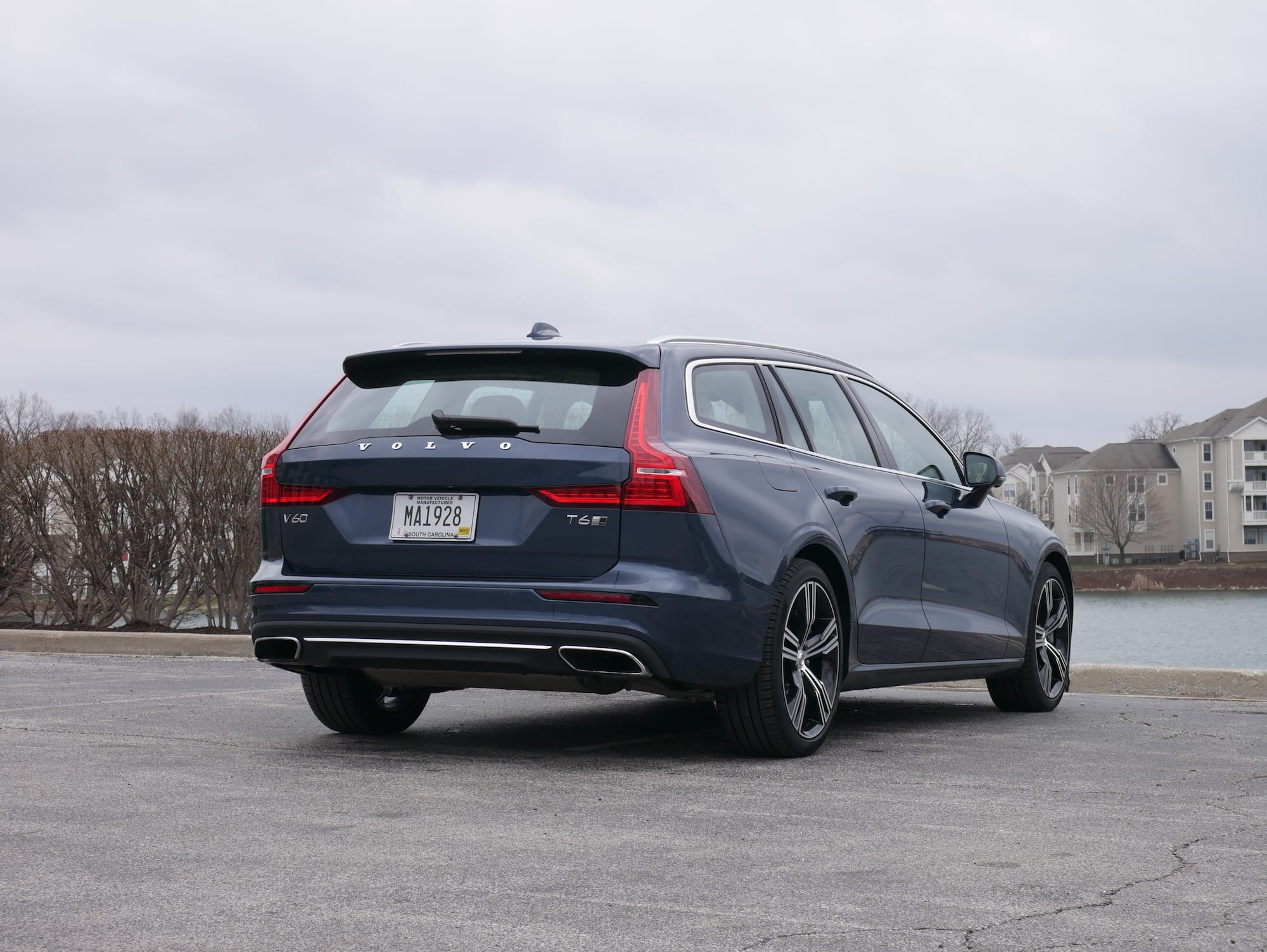 2019 Volvo V60 T6 Inscription rear