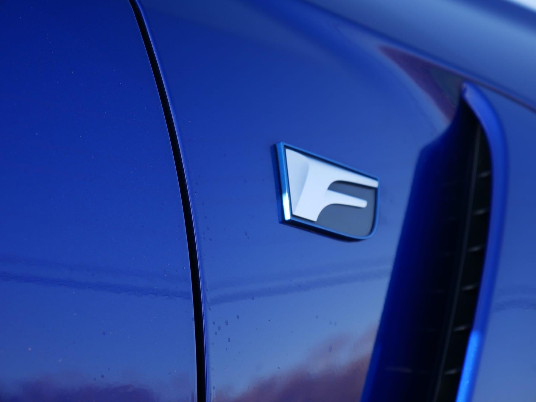 2019 Lexus RC F badge