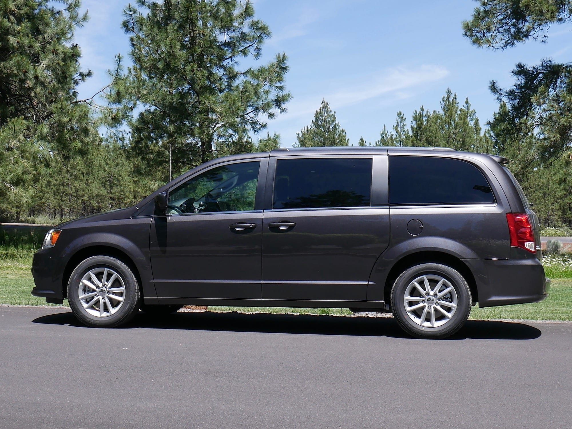 2019 Dodge Grand Caravan profile