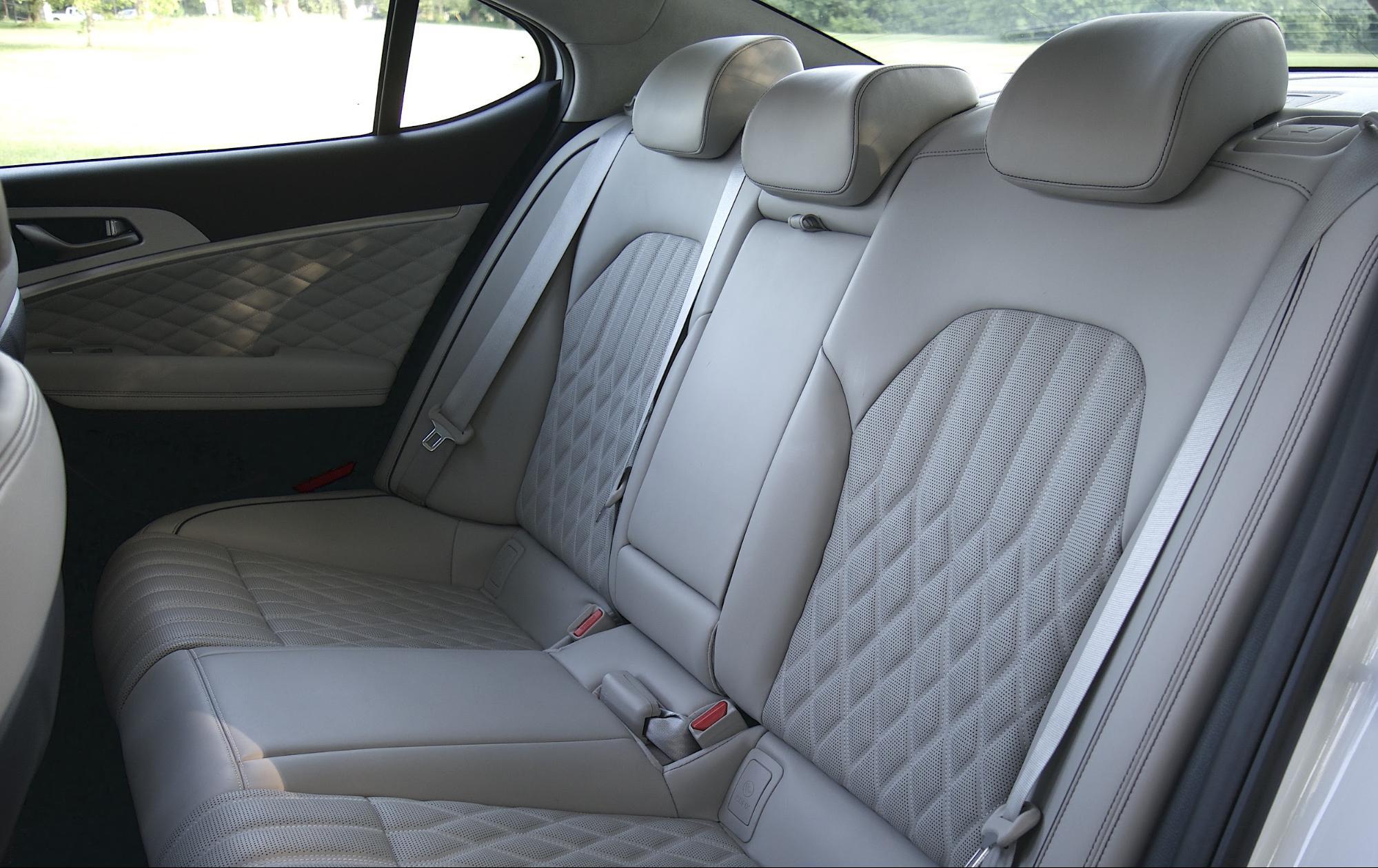 2020 Genesis G70 back seat