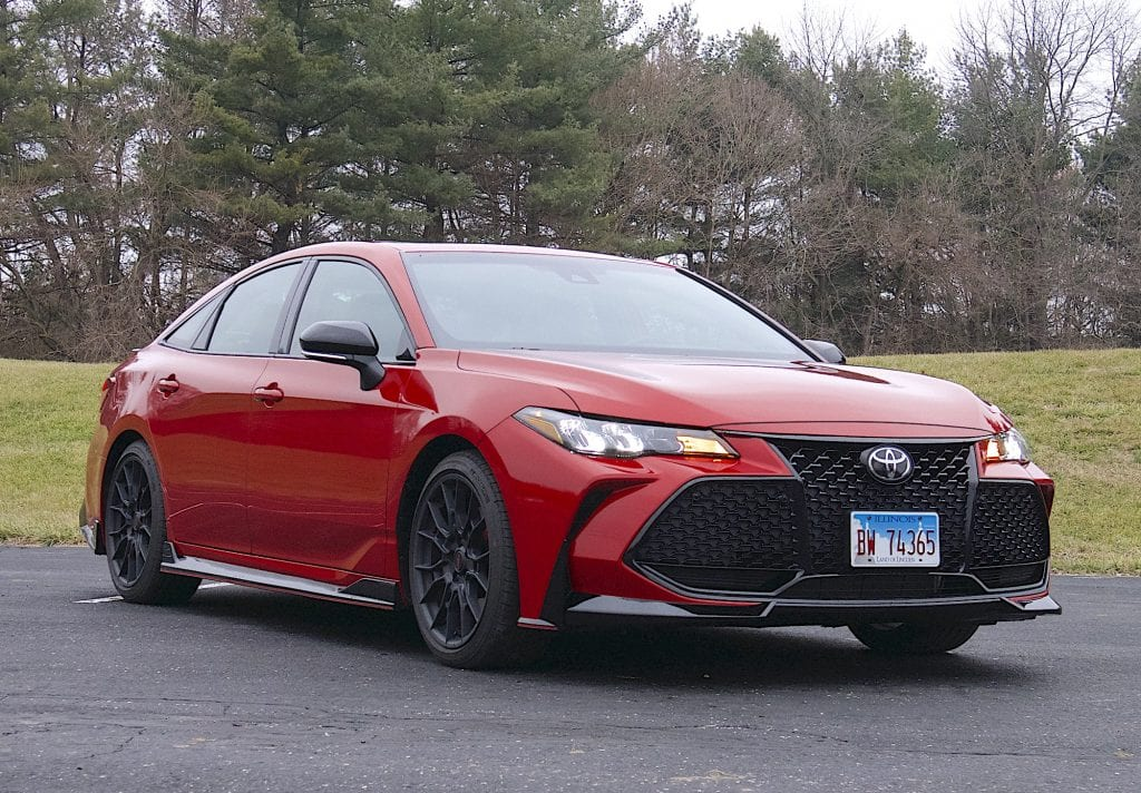 2020 toyota Avalon TRD front three quarter passenger side