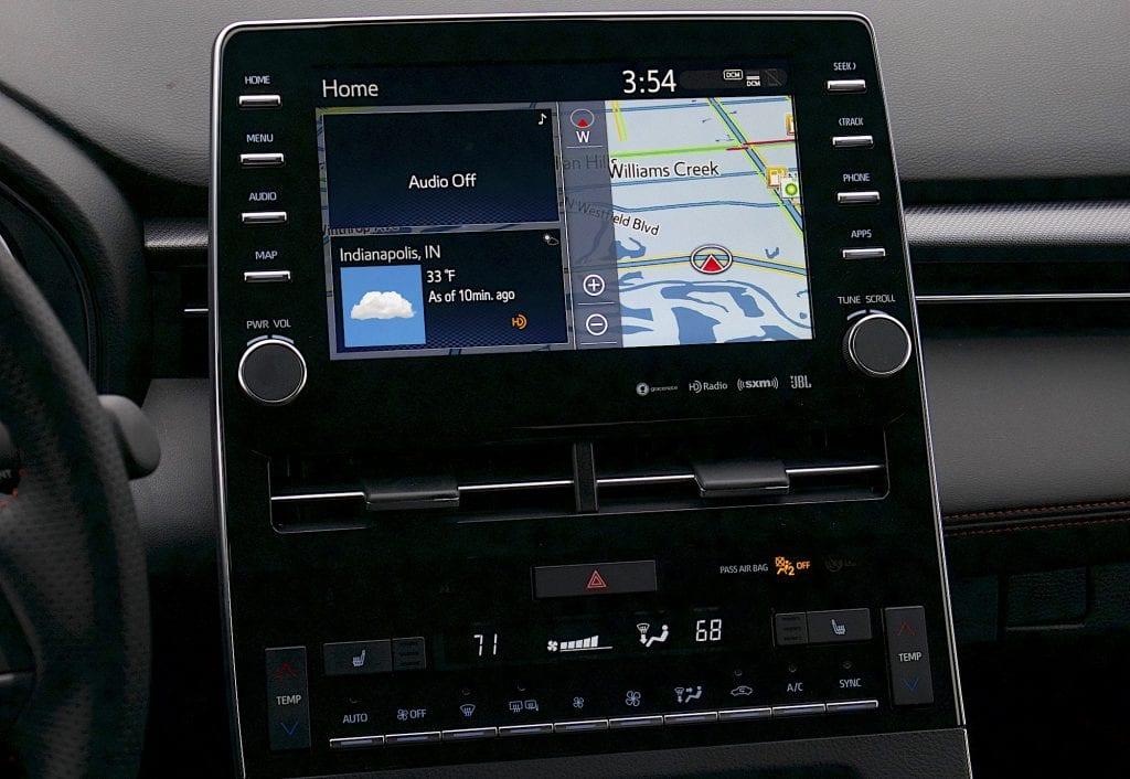 2020 toyota Avalon TRD touchscreen