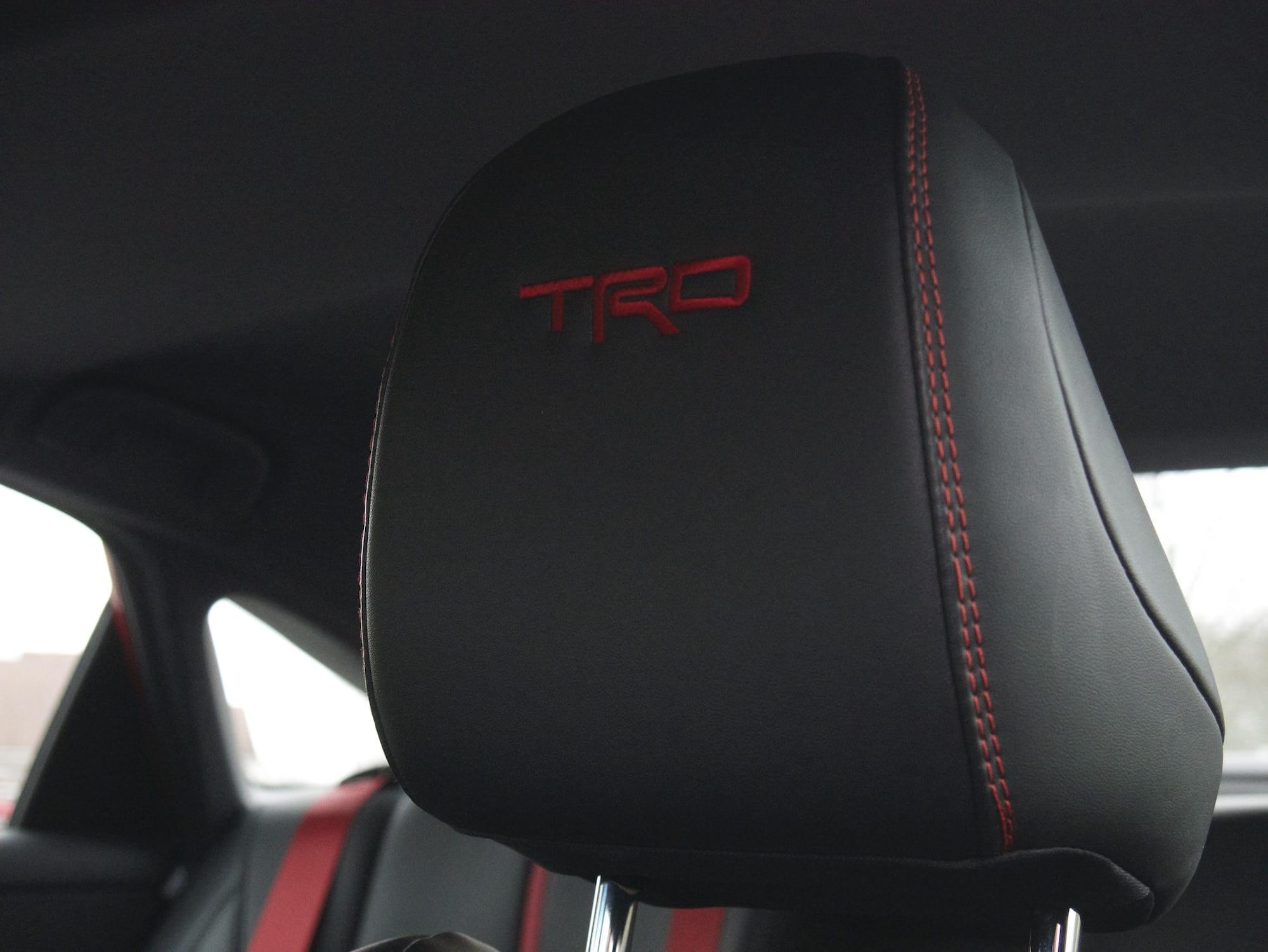 2020 toyota Avalon TRD headrest