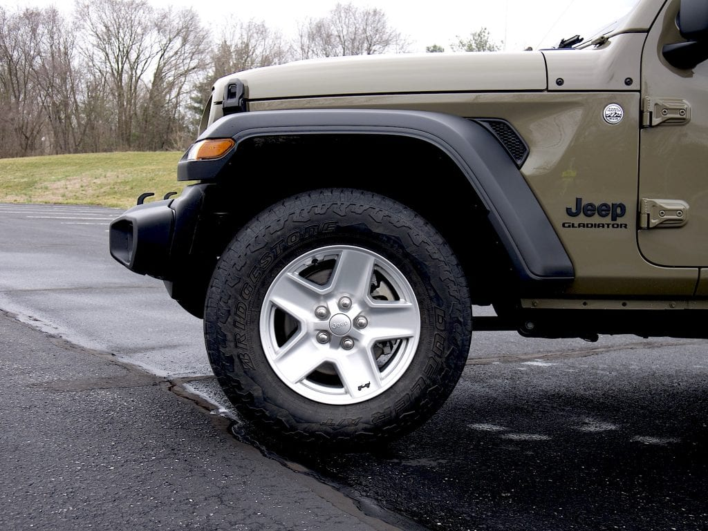 2020 Jeep Gladiator front fender