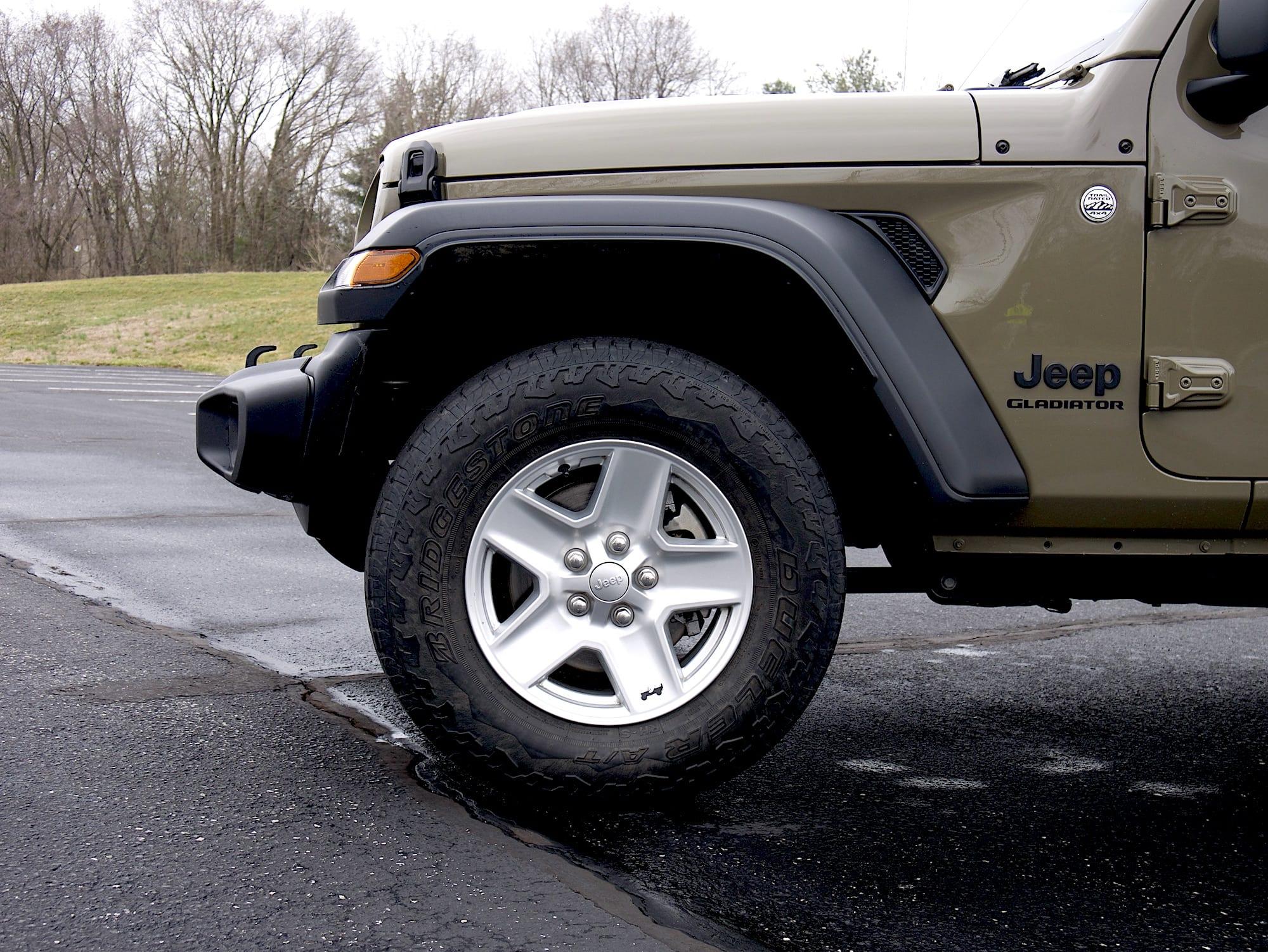 2020 Jeep Gladiator front fender