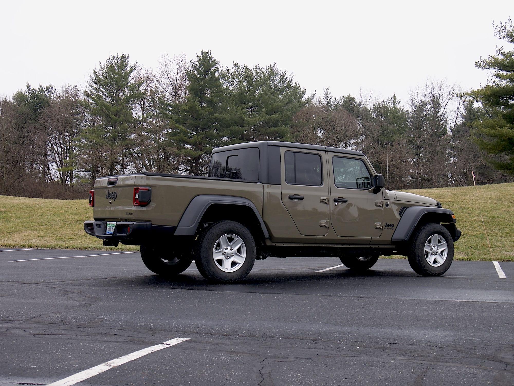 2020 Jeep Gladiator rear three quarter