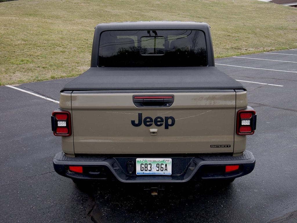 2020 Jeep Gladiator bed