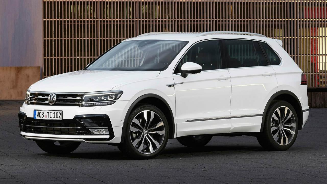 Volkswagen Tiguan Front and Side View