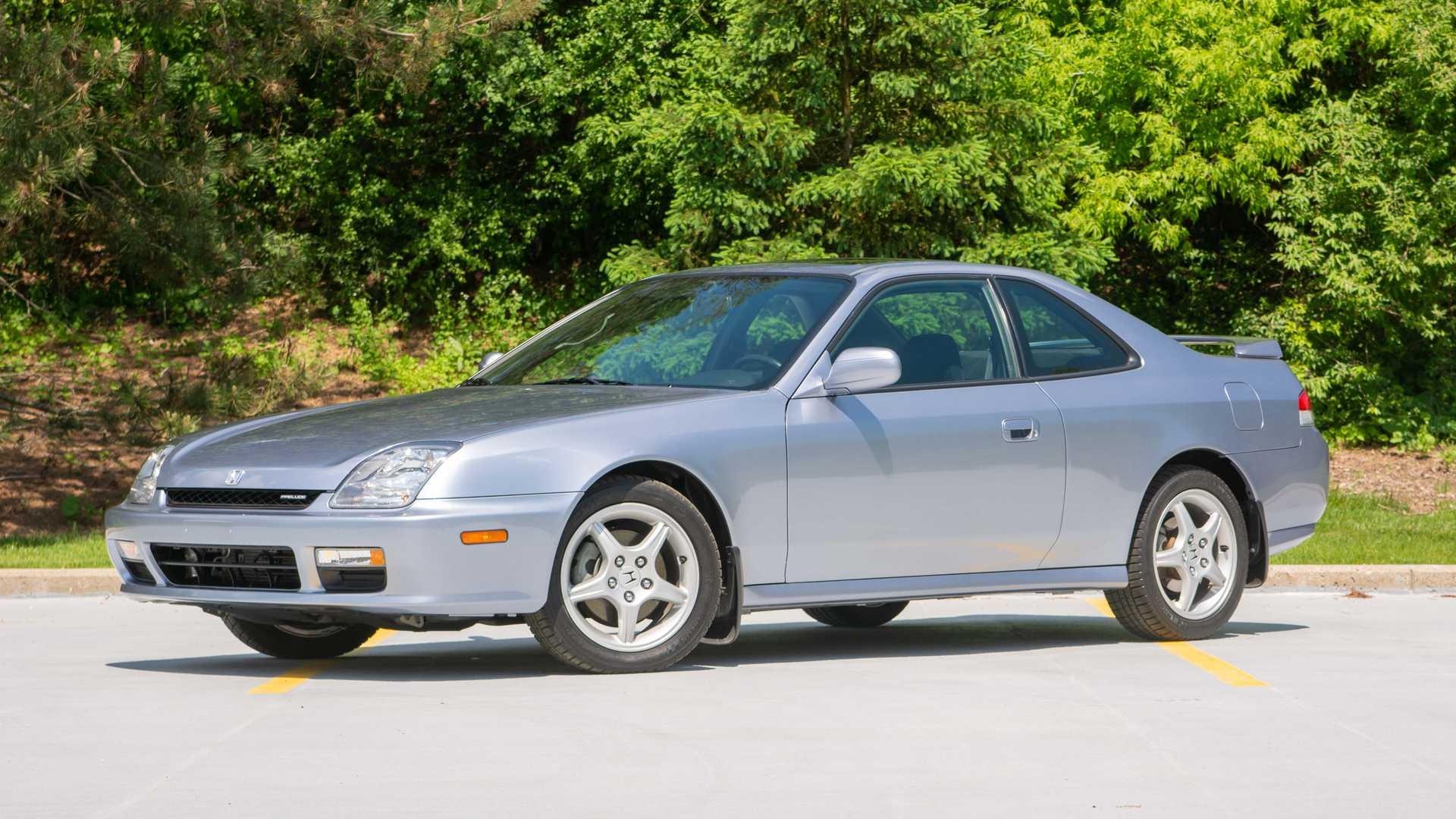 Grey Honda Prelude